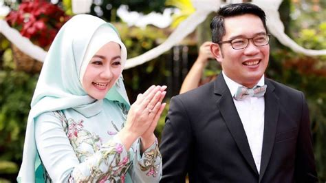 tutorial hijab ala atalia kamil yuk pakai hijab ala atalia praratya istri dari kang emil