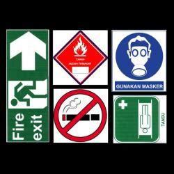 Safety Sign Stiker Sticker Arah Parkir Gedung Tembok 25x33 Wpark 024 cutting sticker malang sticker safety sign