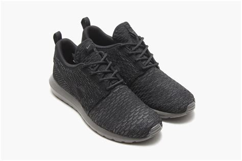 Nike Roshe Run Flyknit Fullblack roshe run black