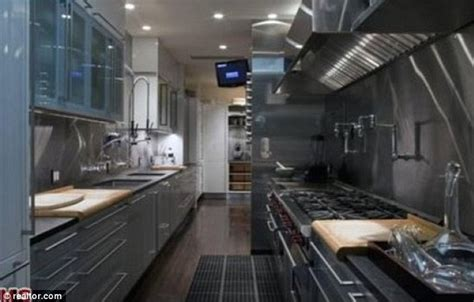 Kitchen Cabinet Designer Online Inside Jennifer Aniston S Luxury Beverly Hills Mansion