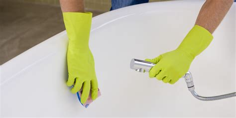 how to clean the bathtub useful quick tips for cleaning a bathtub properly