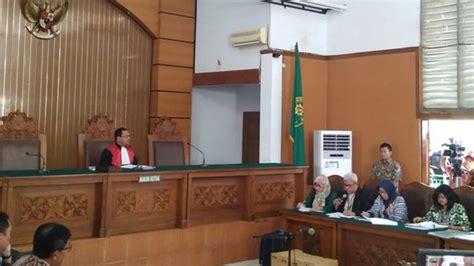 Buku Legisme Legalitas Dan Kepastian Hukum Oleh E Fernando M hakim gugurkan gugatan praperadilan setya novanto ini komentar kpk