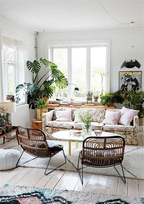 floral couch living room 25 best ideas about floral sofa on pinterest timorous