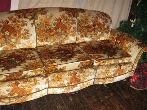 ugly couch ugly flower couch aaron pasillas the big break