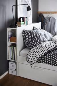 brimnes hoofdeinde met bergruimte wit fluffy comforter