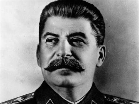 resumen de la biografia iosif stalin stalin un tirano que convirti 243 en potencia a la urss