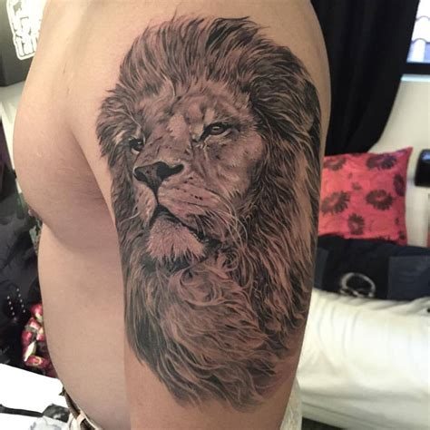 quarter sleeve lion tattoo lion sleeve tattoo black ink pictures to pin on pinterest