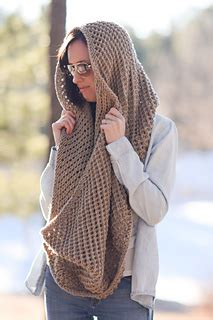ravelry: traveler knit infinicowl scarf pattern by jessica