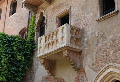 balcony theme romeo and juliet shakespeare in verona the home of romeo juliet