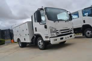 06 Isuzu Npr Isuzu Adds Three New Servicepack Models To Range