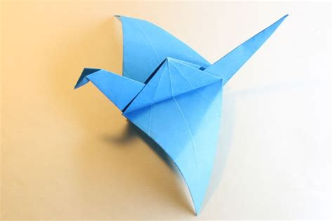 How To Make Flying Bird With Paper - how to make an origami flying bird paper