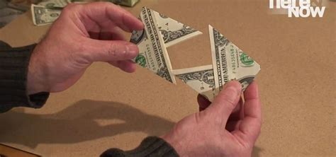 How To Make Origami Out Of Dollar Bills - how to make an origami wallet out of a dollar bill