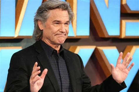 oliver hudson the christmas chronicles kurt russell supported stepson oliver hudson in new film