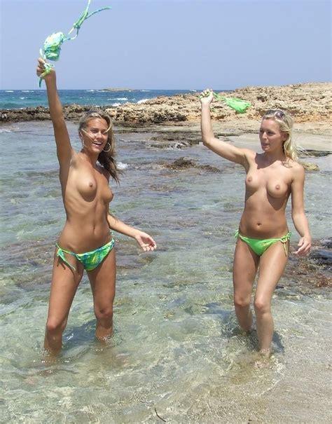 Flashing Their Sweet Boobs On The Beach Flashinggirls