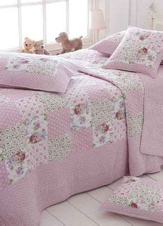 1000 images about patchwork quilts and bedcovers pinks on