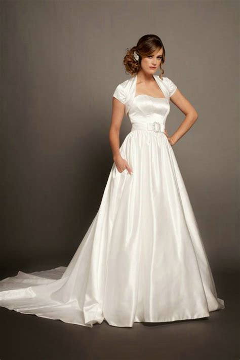 budget wedding dresses cheap wedding dresses and how to get them ipunya