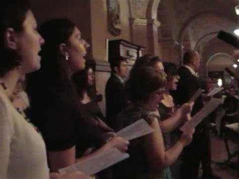 testo gloria giombini gloria coro giovani piavon musica movil musicamoviles