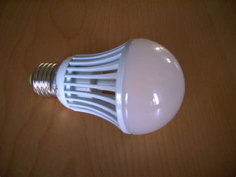 Renesola Lu Led 9 Watt interlux led 9watt e27 birne 230 volt 810 lumen interlux24