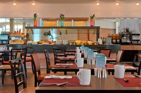 hotel all interno dell aeroporto di fiumicino alberghi subito disponibili a fiumicino prenotazioni con
