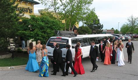 prom limo packages prom homecoming package classic thunder limousine