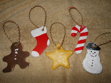 Simple Handmade Decorations - gingerbread craft idea for crafty