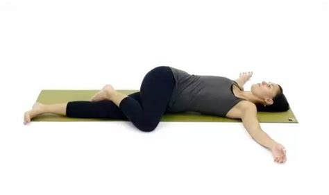 Reclining Twist Pose by Do This Movement Every Before Going To Bed Your Will Change And Relax In No Time
