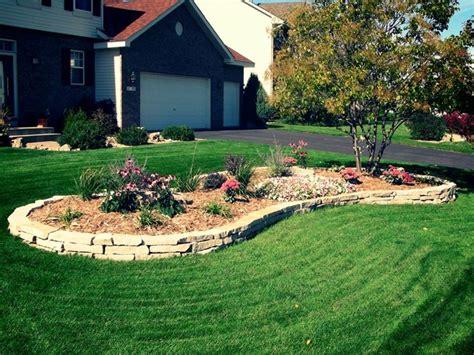giardini con aiuole aiuole in pietra tipi di giardini realizzare aiuole in