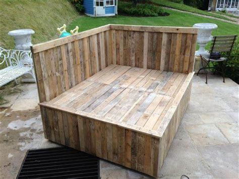 diy pallet outdoor bed sectional pallet bed 101 pallets