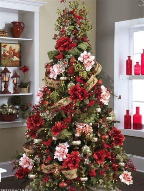 regala fiori composizioni natalizie regalare fiori composizioni