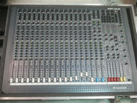 Mixer Spirit Live 4 Bekas soundcraft spirit live 4 image 390041 audiofanzine