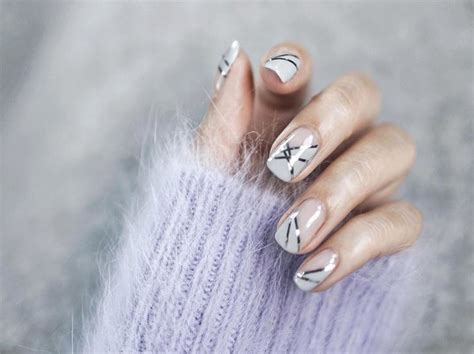 what color nail polish looks best on short nails best nail polish colors to make short nails look naturally