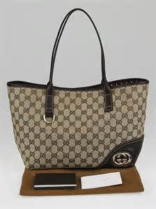 Gucci Britt Medium Purse by Gucci Beige Gg Canvas Britt Medium Tote Bag Yoogi