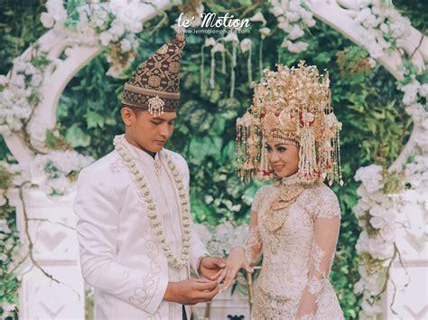 Baju Muslimah Kimi Merah simple elegan 15 inspirasi baju pernikahan adat palembang