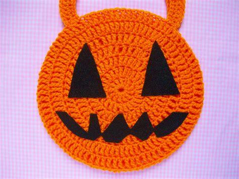 crochet pattern halloween bag mooeyandfriends crochet pattern trick or treat bag