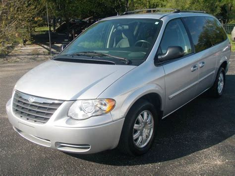 Chrysler Town And Country Mini by 2006 Chrysler Town And Country Touring 4dr Extended Mini
