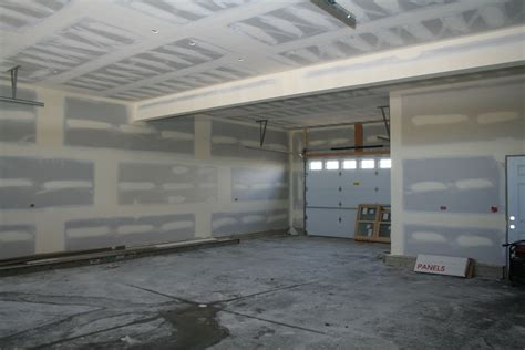 Drywall Installer by Capital Painting A Chicagoland Illinois Il Painter Downtown Chicago Loop Suburbs Oswego Paint