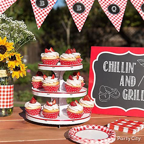 outdoor display ideas outdoor bbq cupcake display idea gingham picnic food and