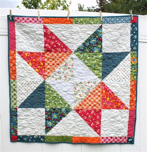 Pattern For Baby Quilt by Lone Baby Quilt Pattern Favequilts