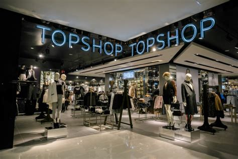 best shop 9 clothing stores that offer student discounts in canada