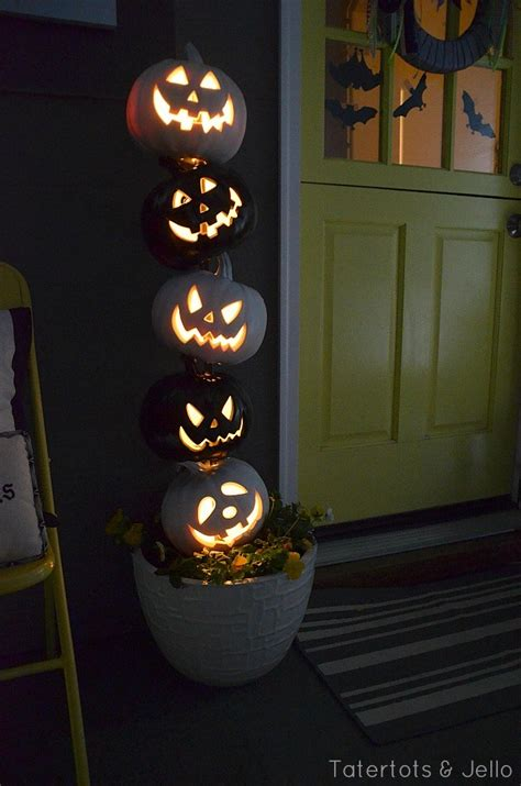 home made halloween decorations 51 cheap easy to make diy halloween decorations ideas