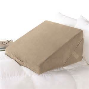 wedge pillows for bed bed wedge sit up pillows at brookstone buy now