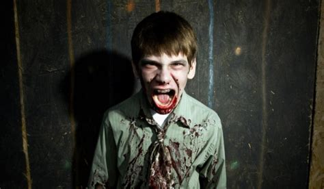 film zombie comedy 2015 scouts vs zombies download new movies 2018 for free