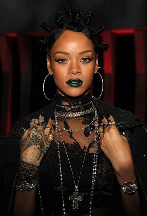 Rihanna Syari Blue rihanna blue lipstick www pixshark images