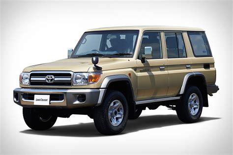 Toyota Land Cruser Toyota Land Cruiser 70 Uncrate