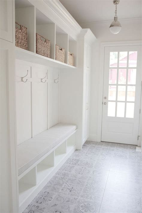 mudroom floor ideas best 25 mud rooms ideas on pinterest mudd room ideas