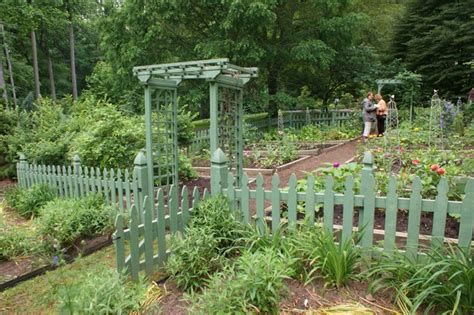 Garden Picket Fence Ideas Vegetable Garden With A Green Picket Fence