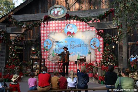 Decorations At Disneyland by Decorations At The Disneyland Resort Img 7325