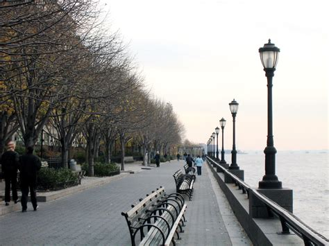Battery Gardens Nyc by Battery Park New York City Tours