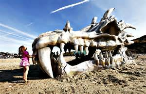 Dragon Armchair Dragon Skull Installed On British Beach To Promote Game
