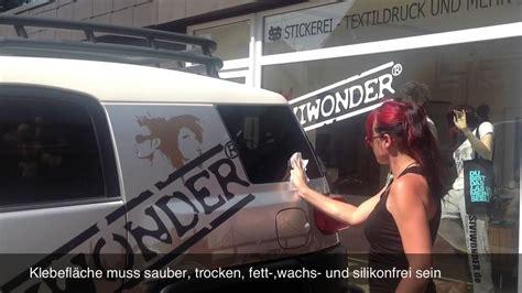 Auto Aufkleber Richtig Anbringen by Klebeanleitung Auto Aufkleber By Siviwonder Kleben Doovi